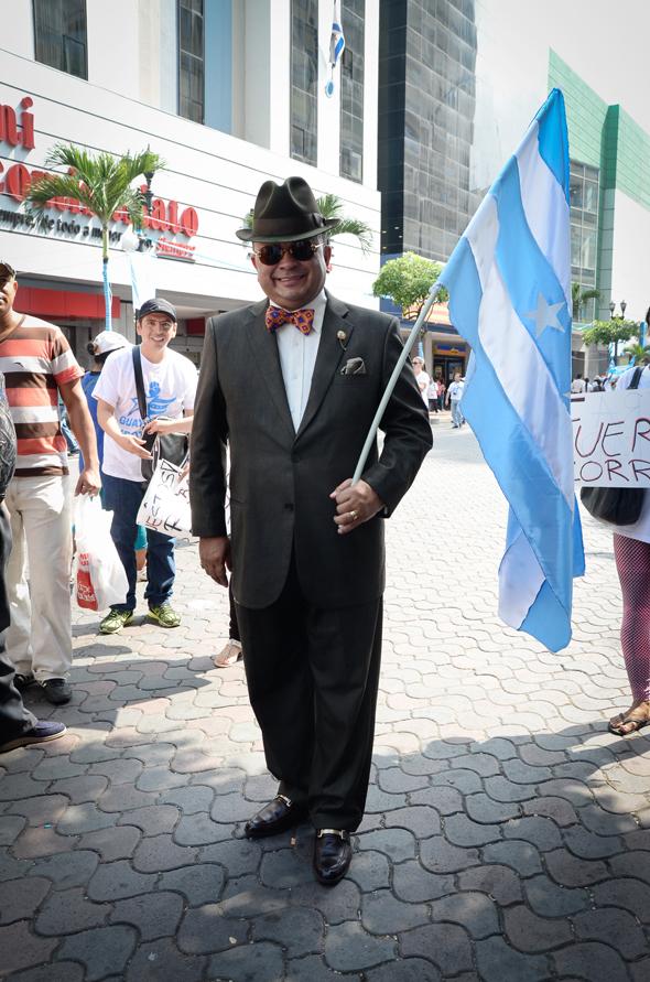 Héctor Vanegas, 54 años, abogado