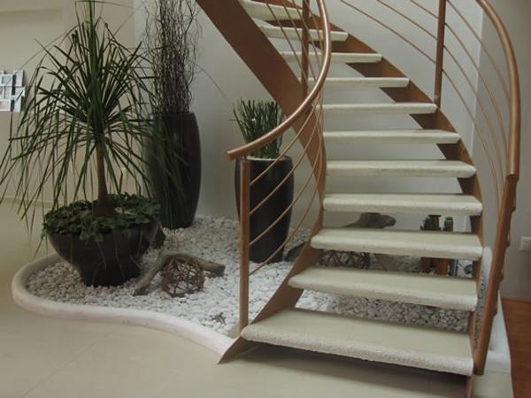 Aprovechar cada rinc n vivienda y decoraci n la - Jardines interiores en casas modernas ...
