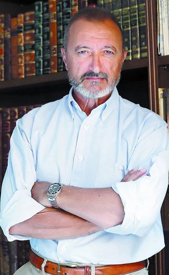 Arturo Pérez-Reverte (1951) escritor español, autor de Hombres buenos.