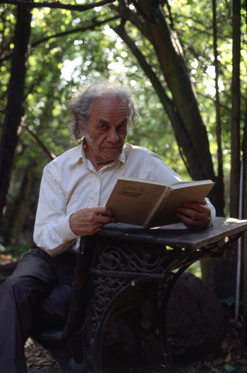 Nicanor Parra es hermano mayor de Violeta Parra y can