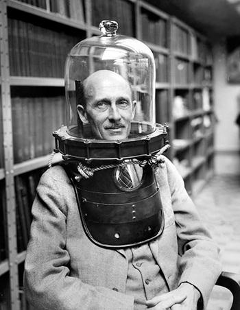 Charles William Beebe (1875-1962), naturalista estadounidense, explorador.