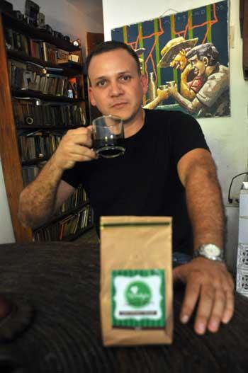 Michael Garretty impulsa la tradición del café recién molido.