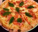 Niños y adultos pueden preparar sus pizzas en La Piola.