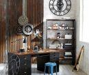 Esta decoración sigue una tendencia industrial, combinada con elementos reutiliz
