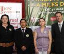 En la foto: Judy Cando, gerenta de Mercadeo Local KFC; Aquiles Villarreal, geren