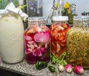 Kefir y vegetales fermentados.