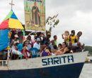 En La Tola y a bordo del Sarita, centenares de fieles de regiones aledañas a la