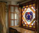 El vitral es una composición elaborada con vidrios de colores, pintados o recubi