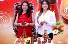 Susana Calero, gerenta de División Alimentos; y Jacqueline Arcentales.