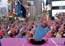 Times Square se convertirá en una relajada zona de yoga.