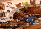 Máscaras de madera, shigras (bolsos tejidos) y más artersanías en la tienda.