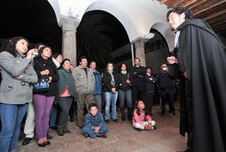 Las paseos de las Noches Patrimoniales están a cargo de actores del grupo Quito