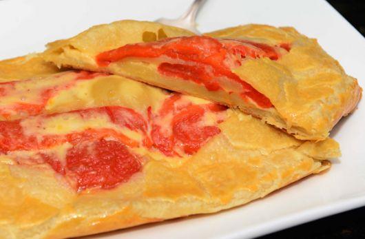 Pan de pimientos con queso.