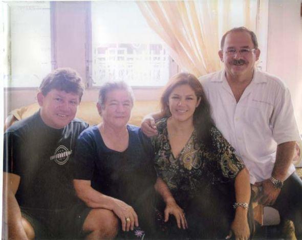 Foto del recuerdo tomada en el último Día de la Madre en que compartieron.
