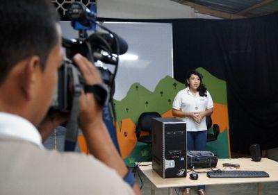 El taller de audiovisuales les brinda a los jóvenes competencias.