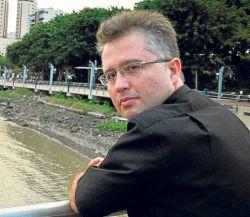 Leonardo Valencia y Mussfeldt ya trabajaron juntos en la novela Kazbek (2009).