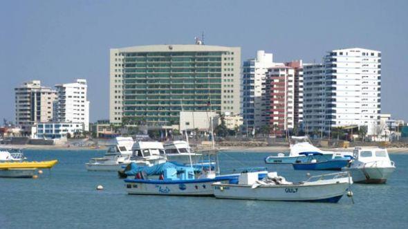 En Salinas, el Barceló Colón Miramar.
