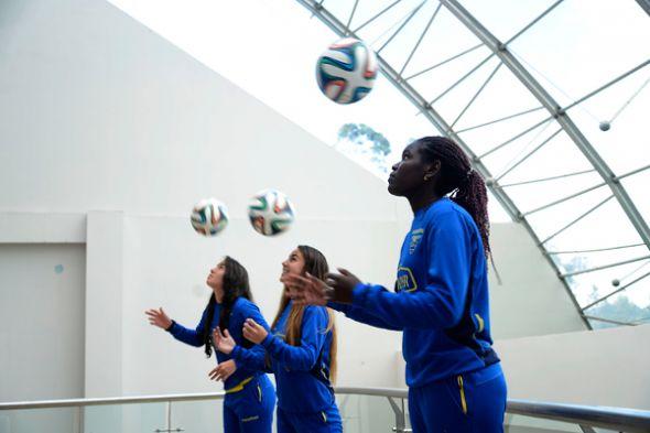 Las jugadoras Ligia Moreira (i), Alexandra Salvador y Tamara Angulo.