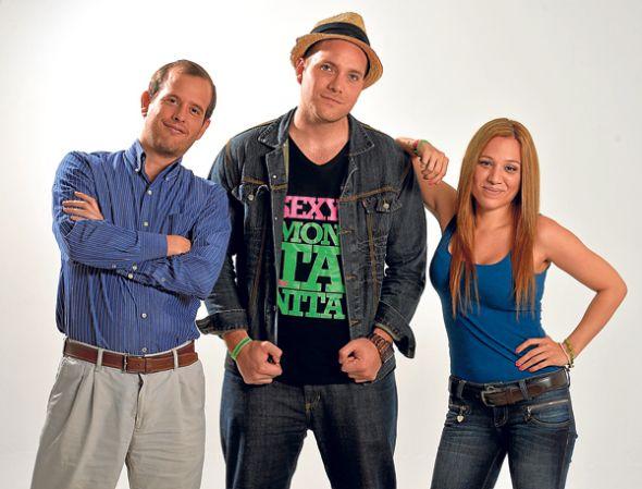 Parte del elenco. Enrique Valle, Alberto Pablo Rivera y Daniela Vallejo.