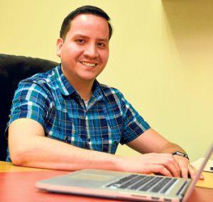 Gabriel Helguero Alcívar, máster en ingeniería mecánica