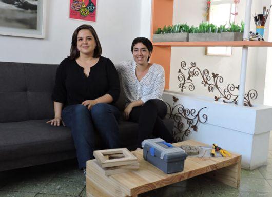 Céntricas Gabriela Cabrera (i) y Gabriela Fabre.