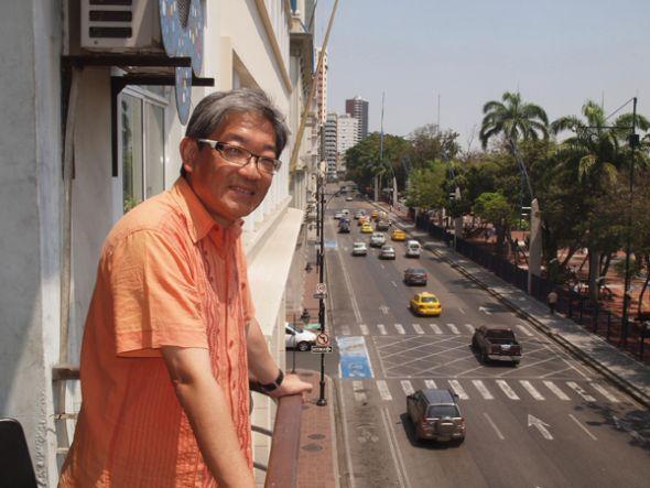 Huan Ung quedó sorprendido por la belleza del malecón de Guayaquil.