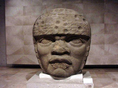Cabeza 0lmeca, de la zona de San Lorenzo Tenochtitlan.