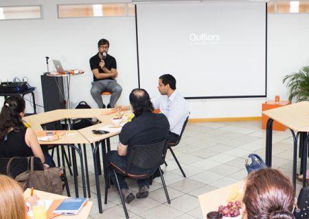 Hugo Pardo ofreció una conferencia gratuita en la Universidad Casa Grande