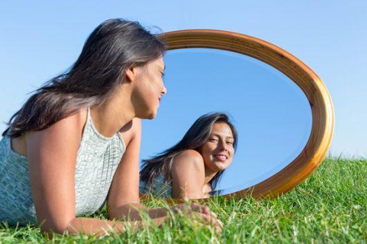 El amor propio se refleja en mejores resultados y salud integral.