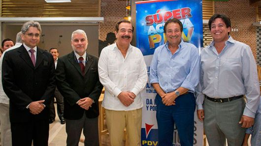 Gustavo Solís, gerente de estaciones de servicio PDV; Luis Rodríguez.