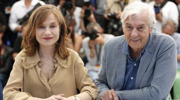 En Cannes: Isabelle Huppert y el cineasta holandés Paul Verhoeven.