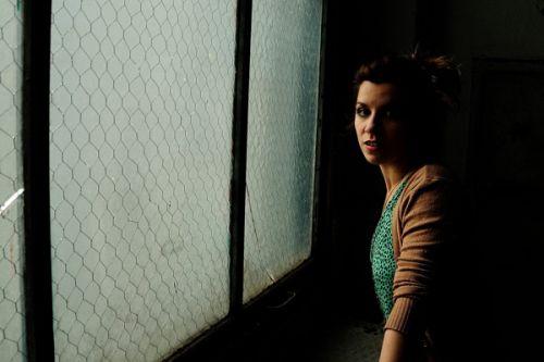 Valeria es licenciada en composición coreográfica con mención en Teatro Musical.