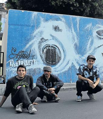 En guayaquil grafiteros art sticos personaje la for El mural pelicula online
