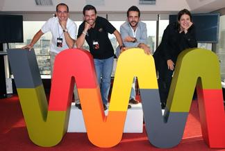 El equipo Wayra,   Hugo de los Santos (i) , Gonzalo Martín-Villa, Aitor Goyenech